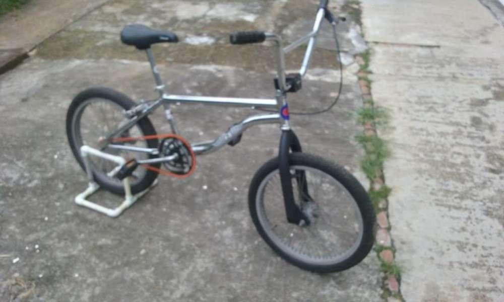 bicicleta inssa cros o bmx cromada en buen estado