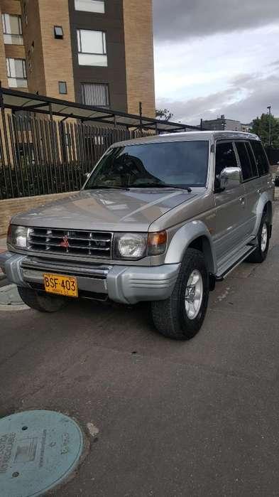 Mitsubishi Montero 2006 - 170000 km