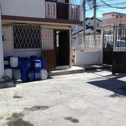 RENTO BODEGA CON OFICINAS, CALDERÓN