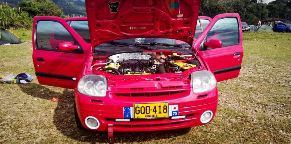 Renault Clio  2003 - 123 km