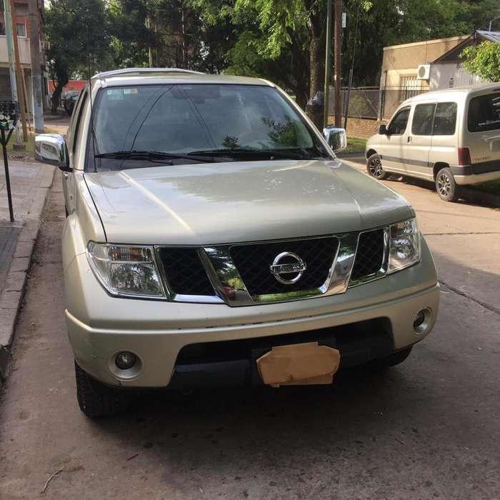 Nissan Frontier 2010 - 250000 km