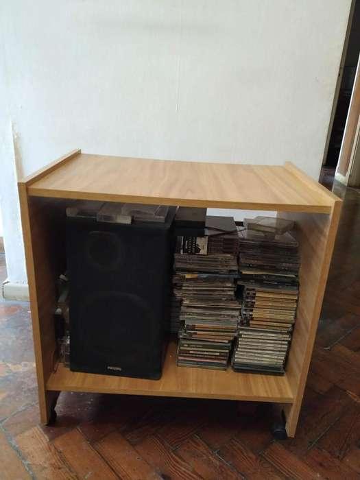 Mesa/Mueble de apoyo para telefono o equipo de musica