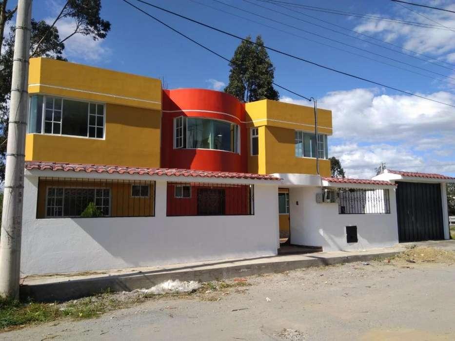 Se vende de oportunidad casa en Norte de Quito Carretas