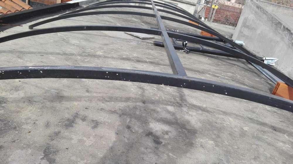 techo de hierro cuadrado de 4x 4cm,y 1,6 de espesor,cubre 3,10mts por 6,60mts