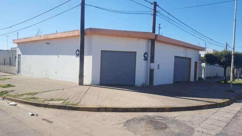 Venta local comercial con cocina y baño en Villa Constitución.