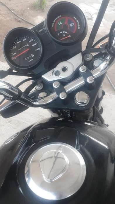 Vendooo Moto Impecable..