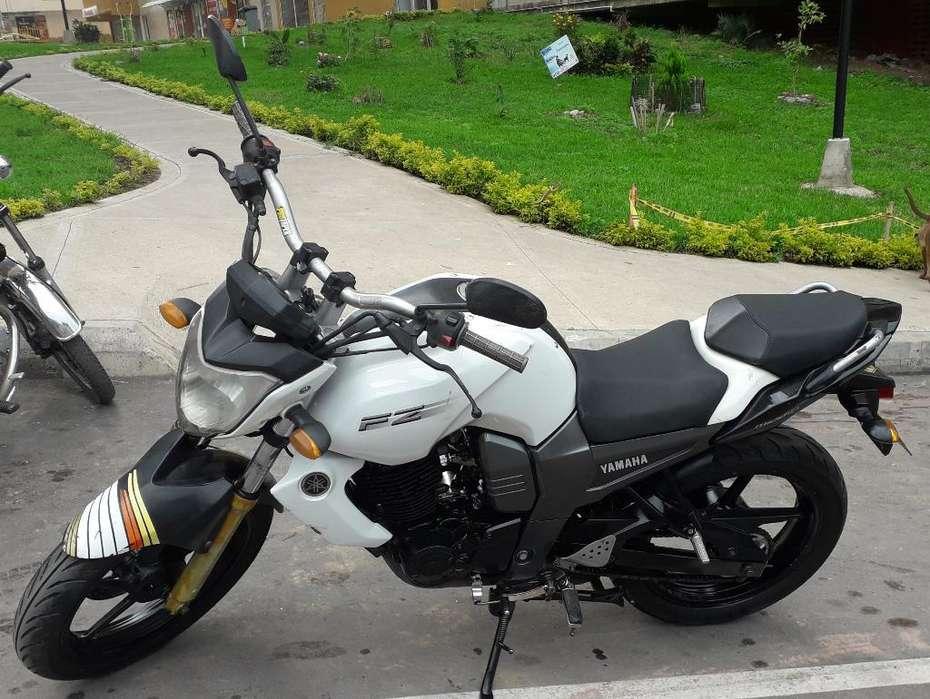 Se Vende Moto Fz 2012 Excelente Condicio