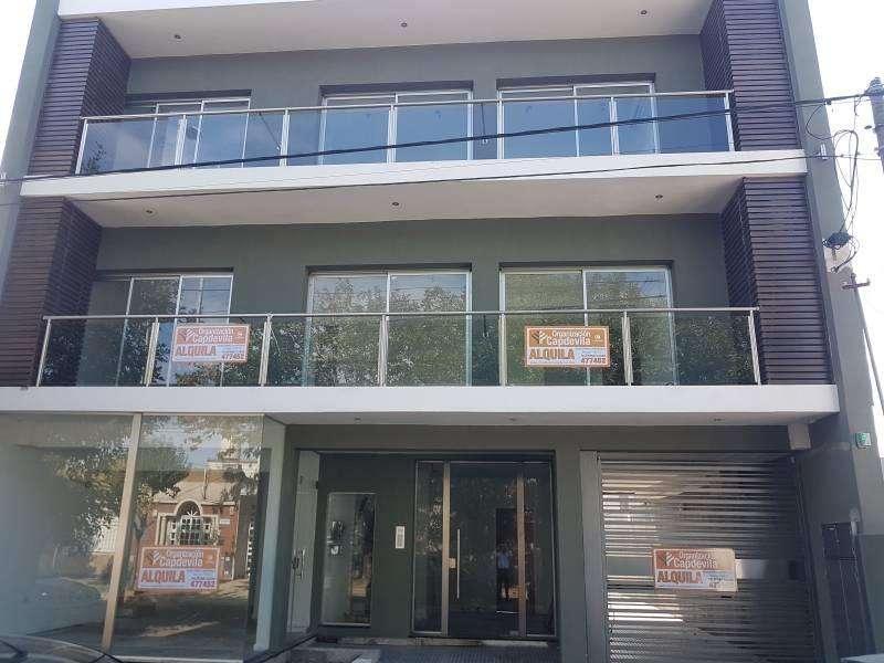 Alquilo dpto 2 dormitorios con patio en Villa Constitución