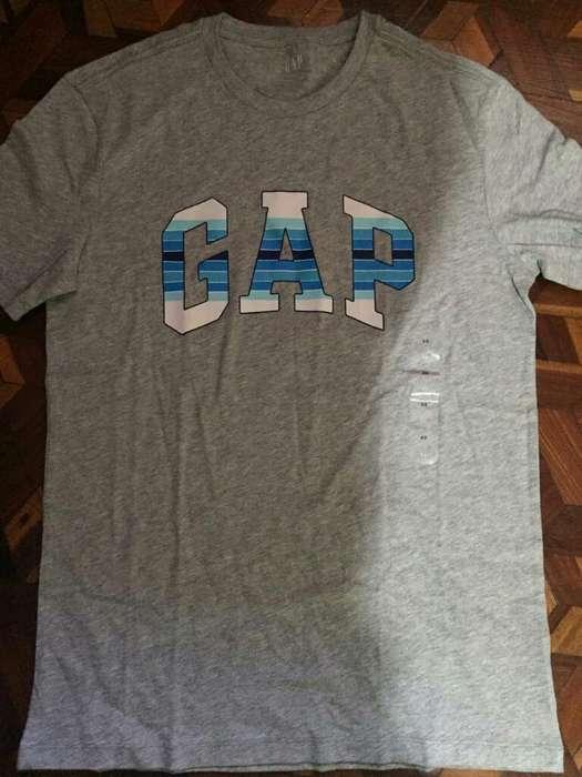 Camiseta Gap ( Nueva )