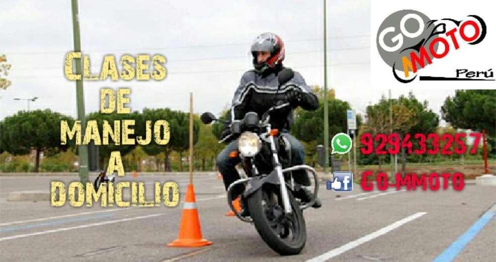 Clases de Manejo en Moto Lineal Escuela
