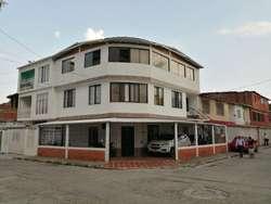 Casa En Venta En Cali La Independencia Cod. VBINH-635