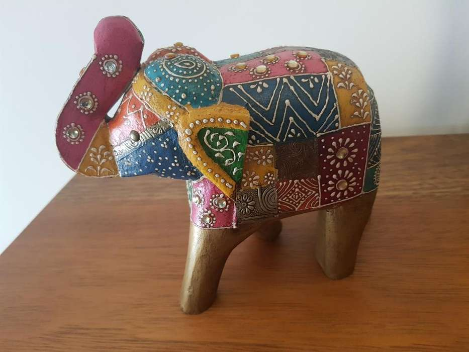 Elefante Pintado a Mano Indu