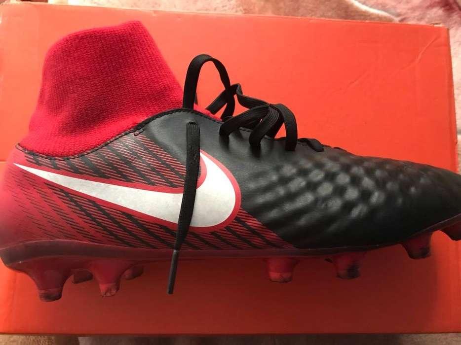 Chimpunes Magista Nike