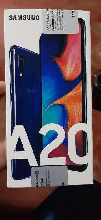 Vendo Cargador Y Audifono de Samsung A20