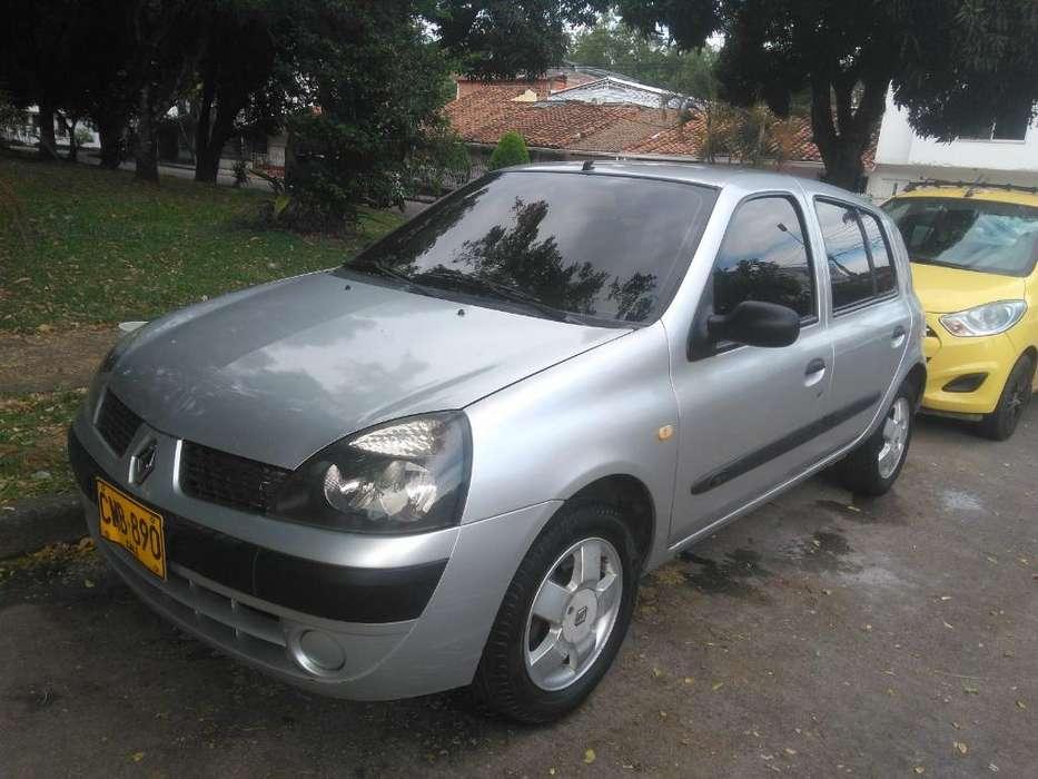Renault Clio  2005 - 158000 km