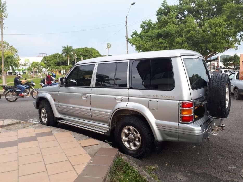 Mitsubishi Montero 2003 - 1700000 km