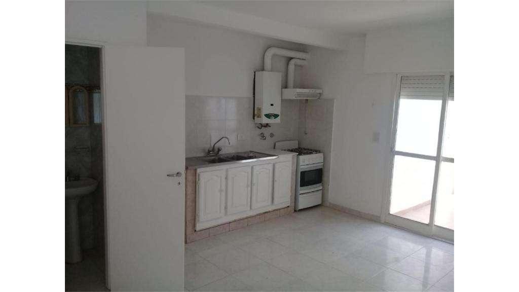 Cahacabuco  1700 - UD 85.000 - Tipo casa PH en Venta