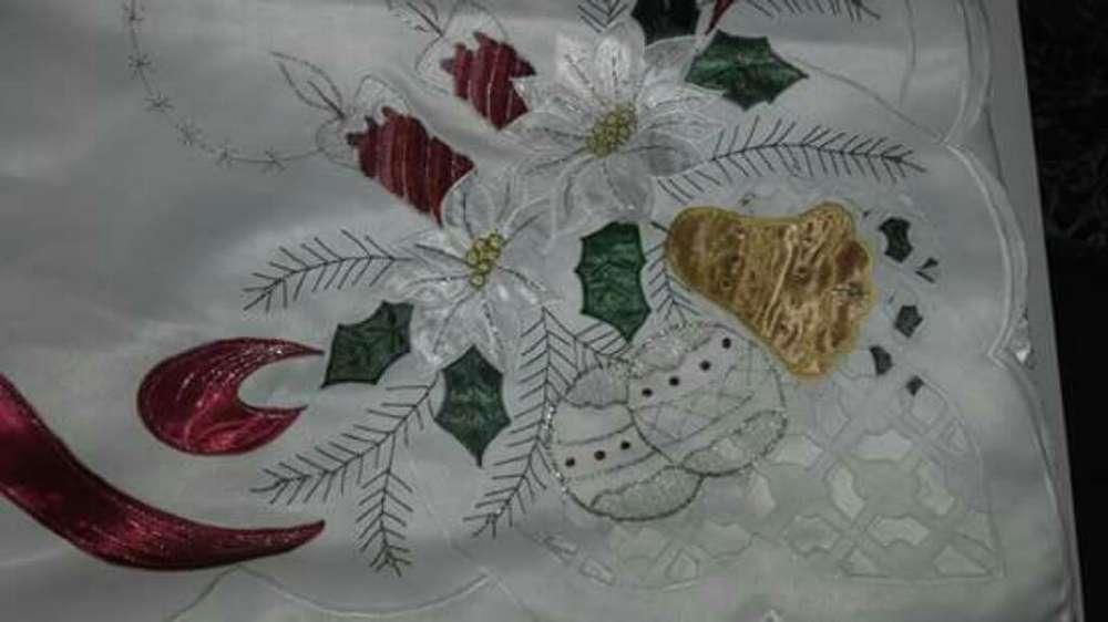 Mantel Elegante Navideño