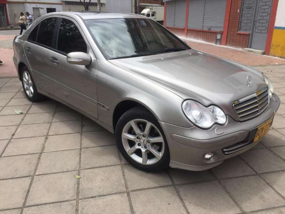 <strong>mercedes-benz</strong> Clase C 2005 - 145000 km
