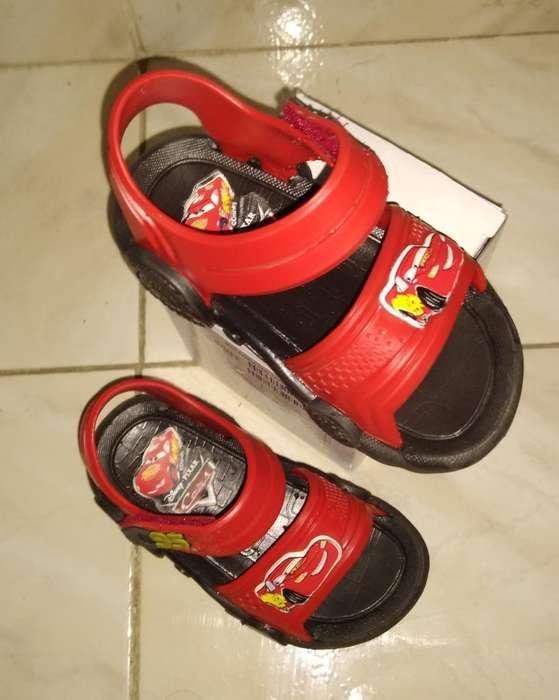 Vendo Zapatillas Talla 21