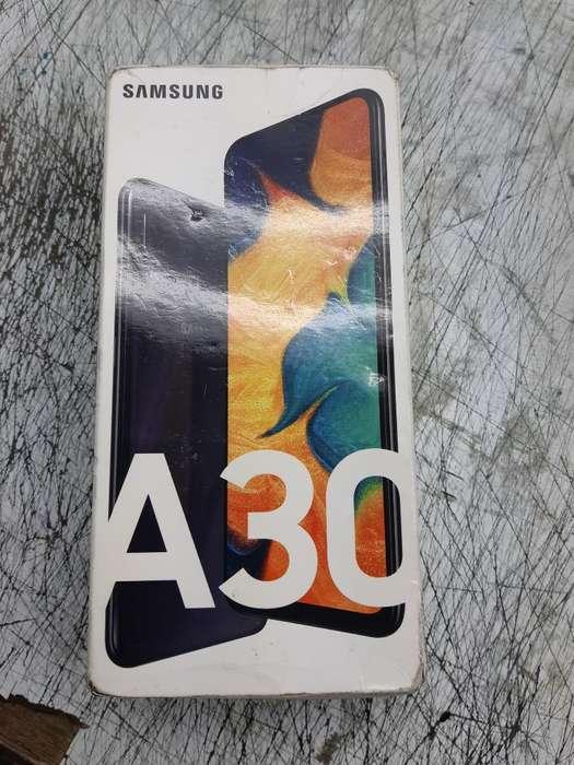 Celular Samsung A30 64 Gb