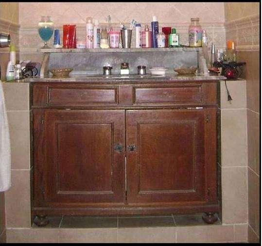 Mueble antiguo para baño