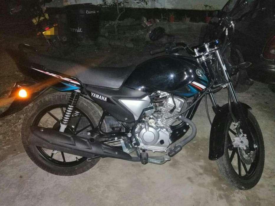Se Vende Moto <strong>yamaha</strong> 110cc Todo al Dia