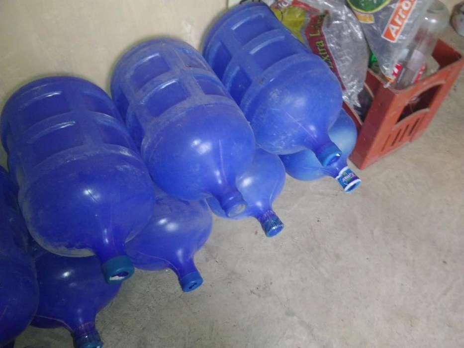 Botellas de Agua Nuevas