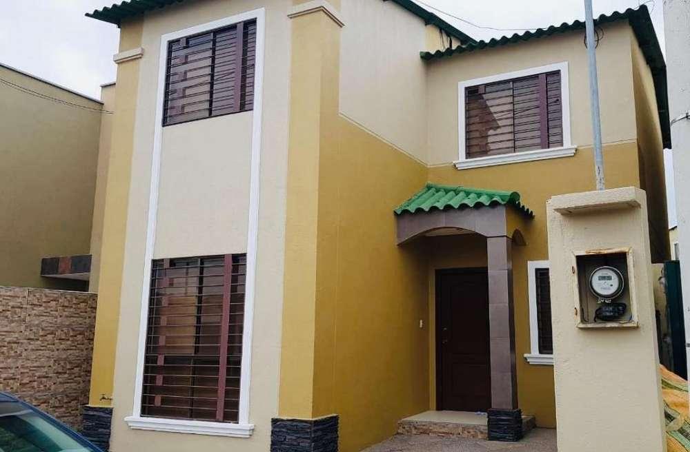 Vendo Casa en Urb. La Joya