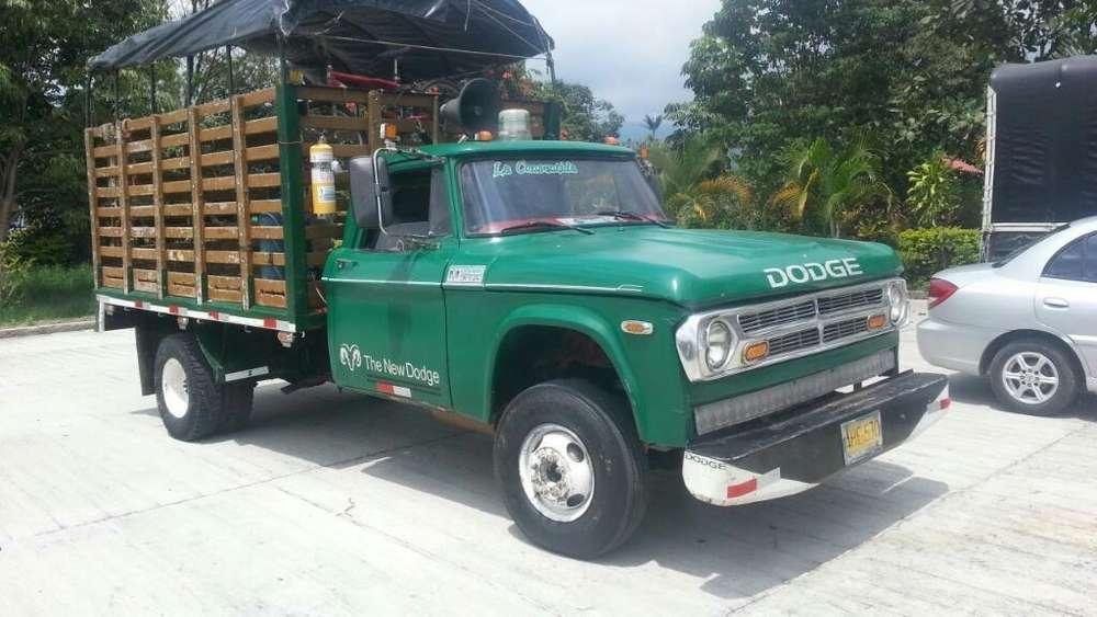 Dodge Otros Modelos 1975 - 123456789 km