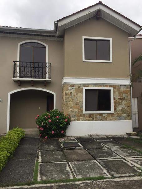 Casa en Alquiler en Terranostra, 200 Mt2, 4 Hab, 5 Bañ, 2 Parqueos