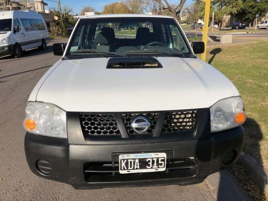 Nissan NP300 2011 - 148000 km