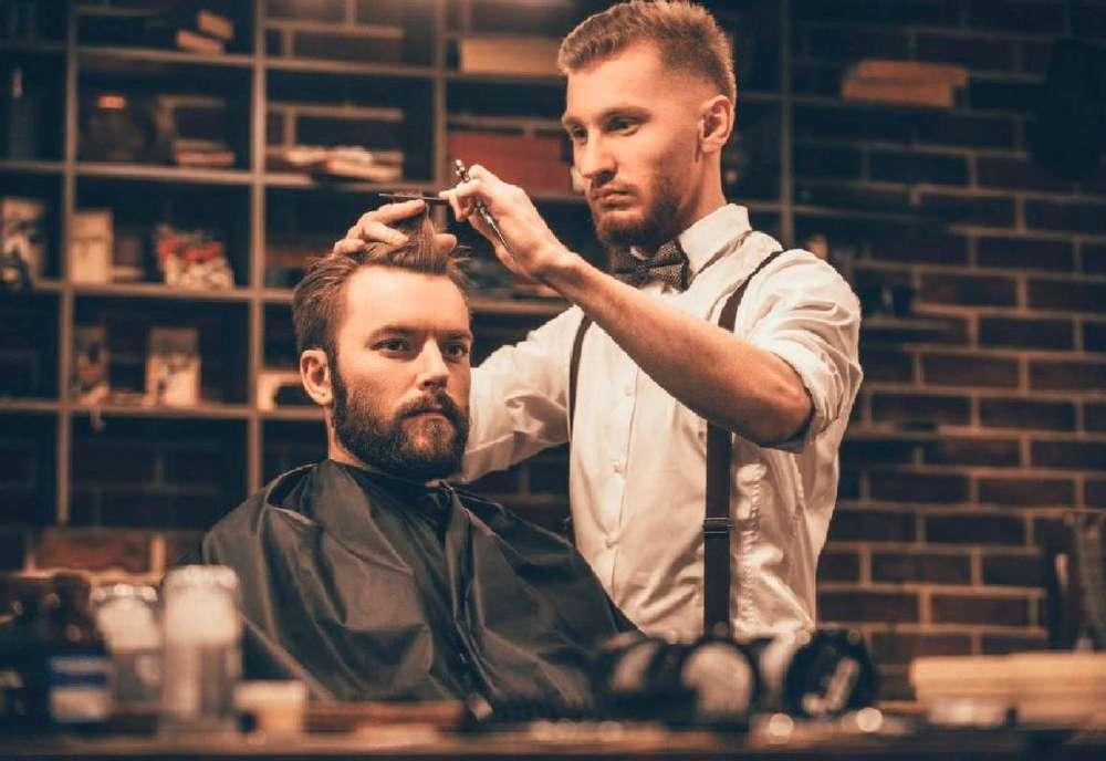 Se necesita barbero con herramienta