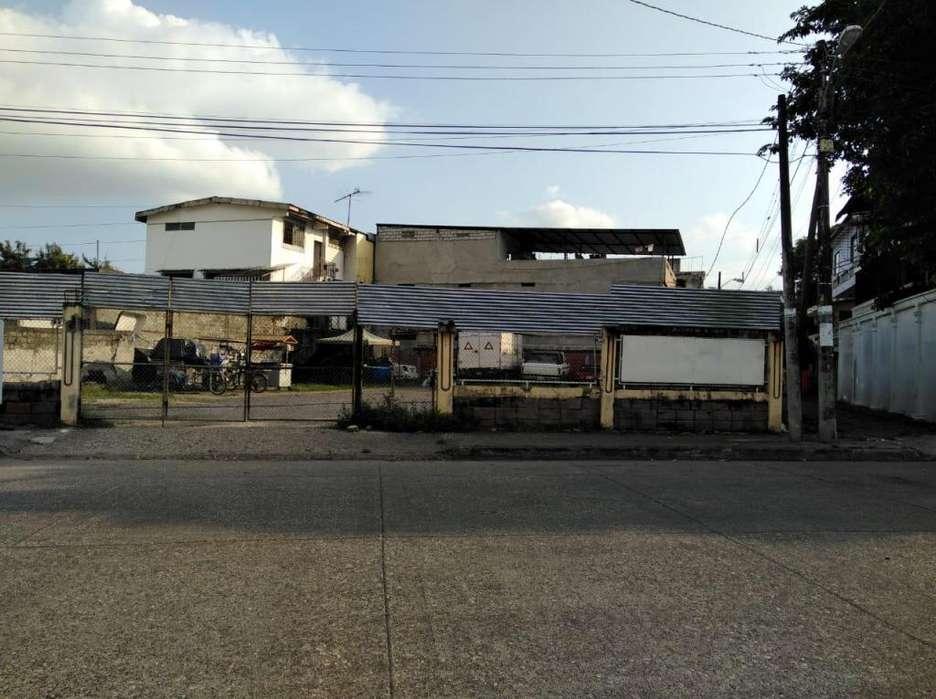 Venta Terreno Esquinero Comercial en Cdla. Quisquis cerca Tia, Facso, Urdesa, Miraflores, Mapasingue, Norte Guayaquil