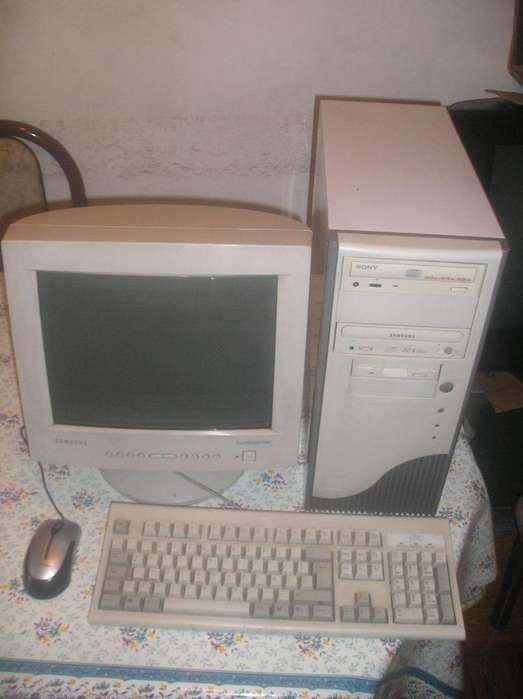 Vendo Computadora Completa Athlon 2400 C/monitor 15 Samsung