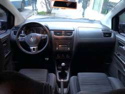 Volkswagen Suran Cross 2012
