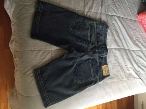 Bermuda Jean <strong>levis</strong>