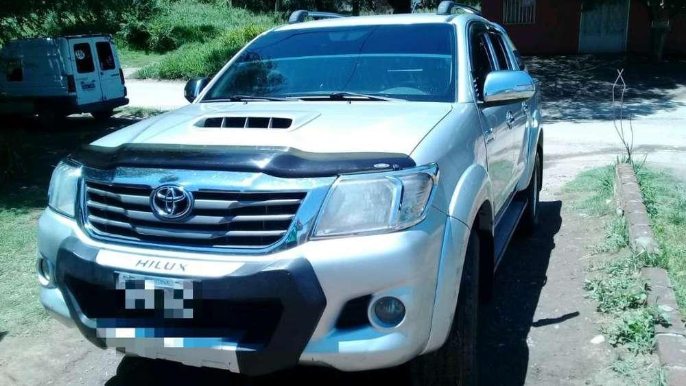 Toyota Hilux 2013 - 181000 km
