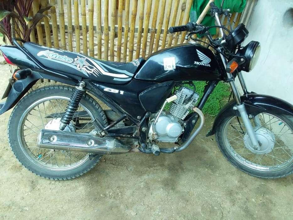 Moto <strong>honda</strong> 2013 Matrícula Al Día