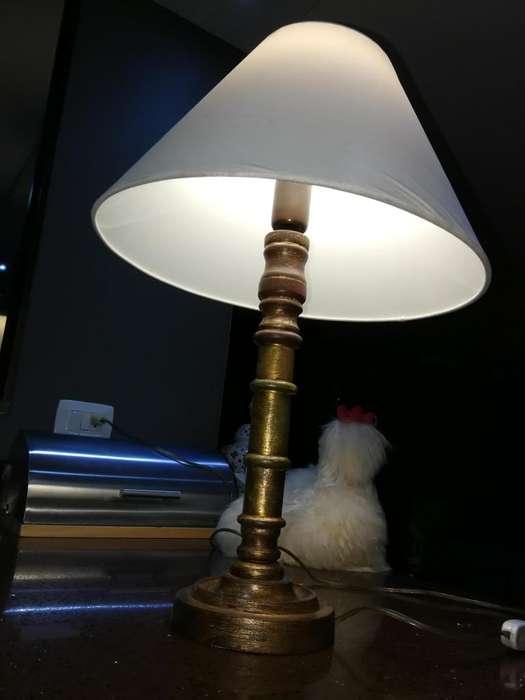 lámpara de <strong>mesa</strong>.