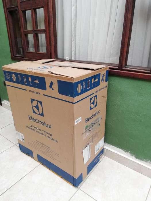 Lavadora Electrolux con 12 meses de garantia