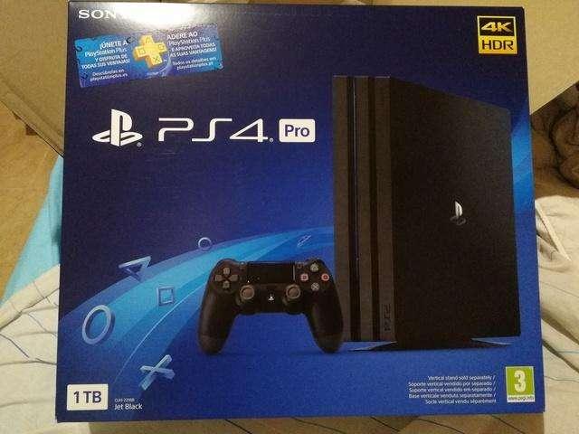 PlayStation 4 PRO de 1 TB Sellado