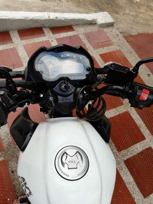Se Vende Moto Akt Evo R3