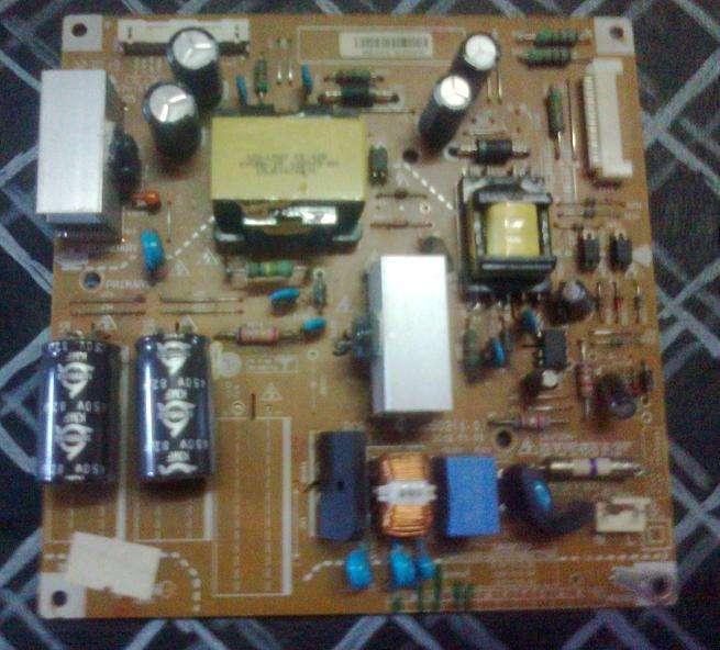 TV LG 32LS3400 - solo repuestos