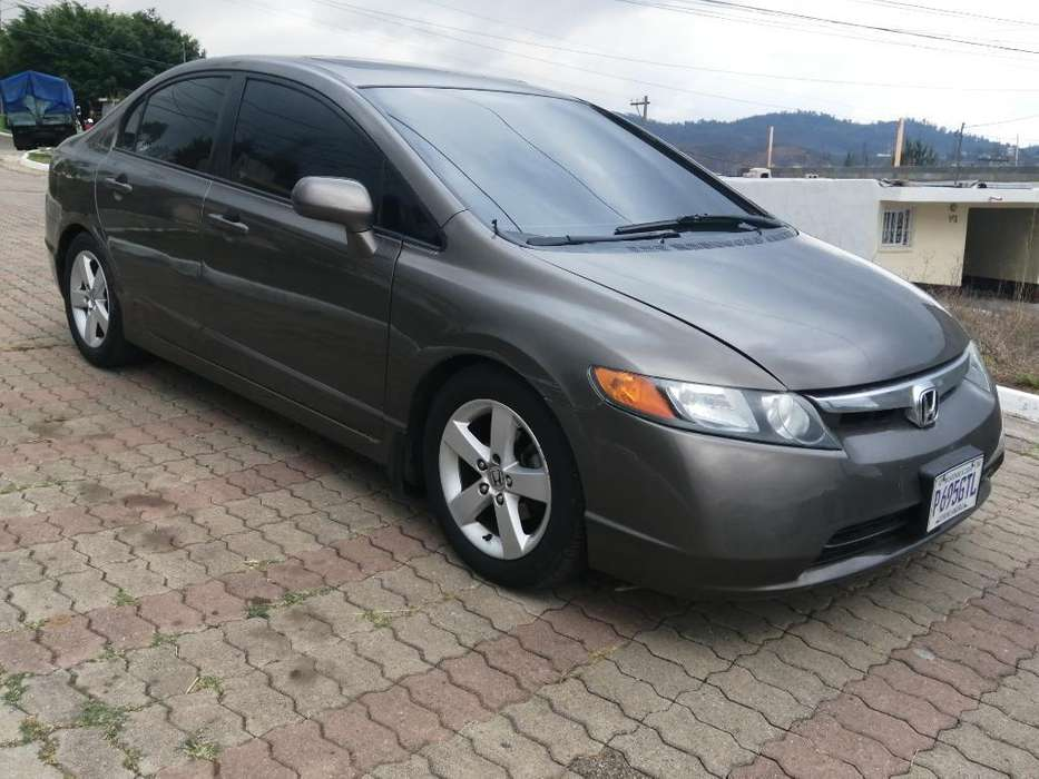 Honda Civic 2007 - 93500 km