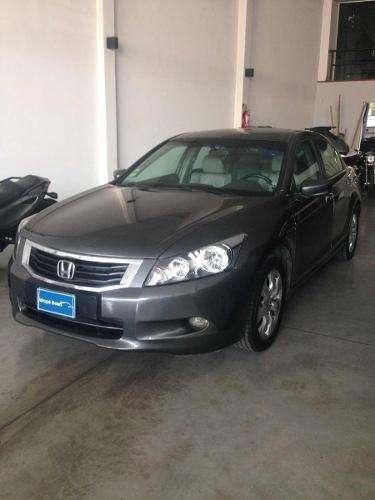 Honda Accord 2009 - 140000 km