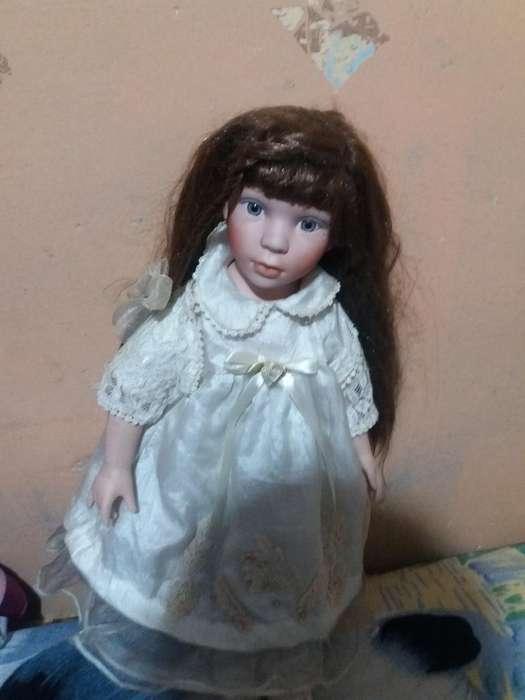 Se Vende Muñeca de Porcelana Antigua 150