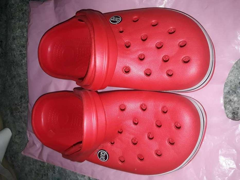 crocs rojos nuevos
