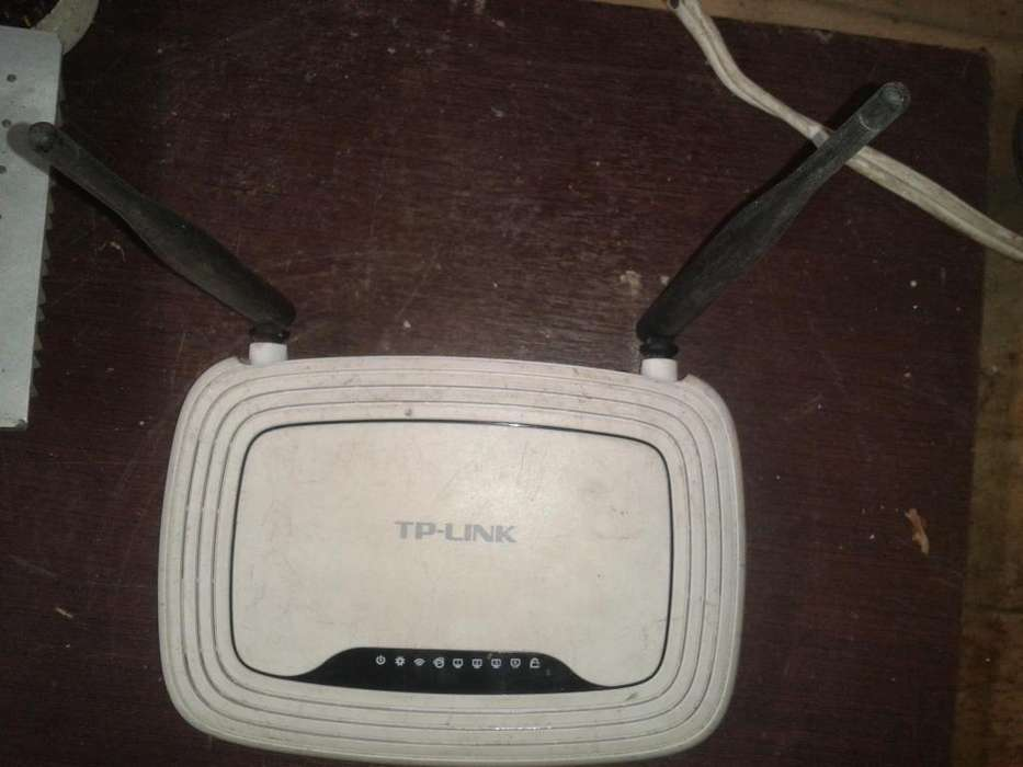 Router Tplink 300mbs funciona 100% con cargador 20 sin cargador 15