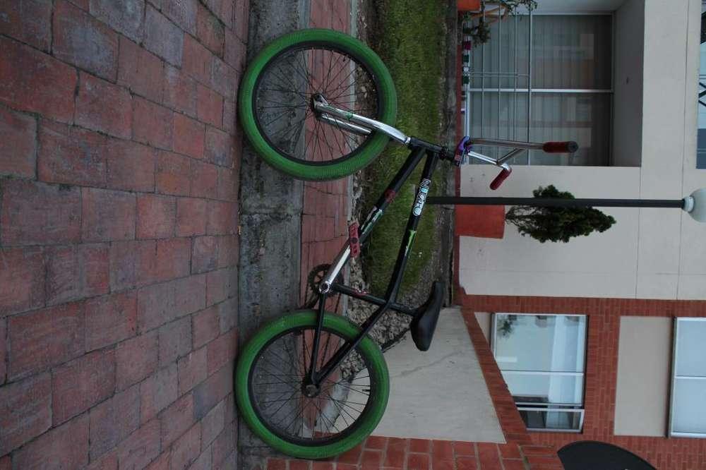 bicicleta profesional usada
